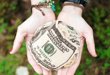 7 Ways to Earn an Extra Dollar this Holiday Season
