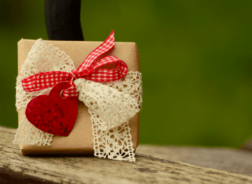 Gift Ideas for Homesteaders | 12 Gifts All Under $25!