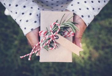 https://growwhereyousow.com/diy-homemade-christmas-gift-ideas/